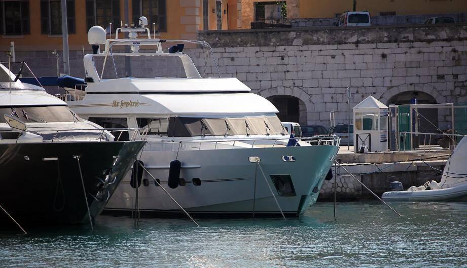 Un corps de femme a été découvert vers 7h au pied des yachts amarrés au port de Nice ce mercredi