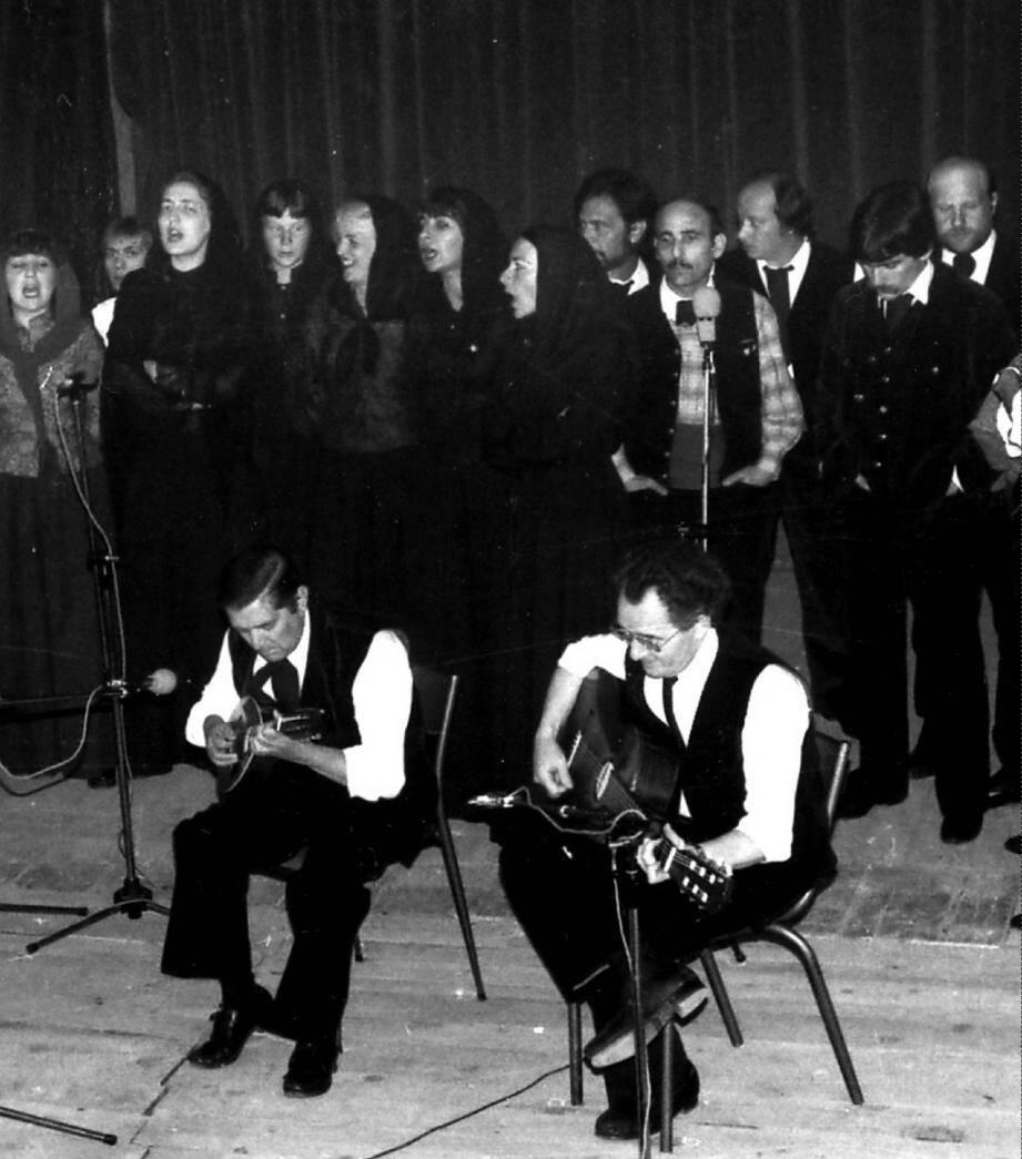 Jacques Luciani, au premier rang à gauche avec A Mannella, nous a quittés voila trente ans, mais son souvenir reste toujours aussi vivace.