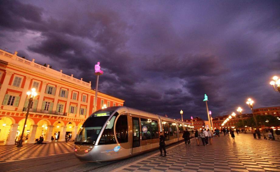 Qui remportera le marché des transports urbains de la métropole pour les huit prochaines années ?