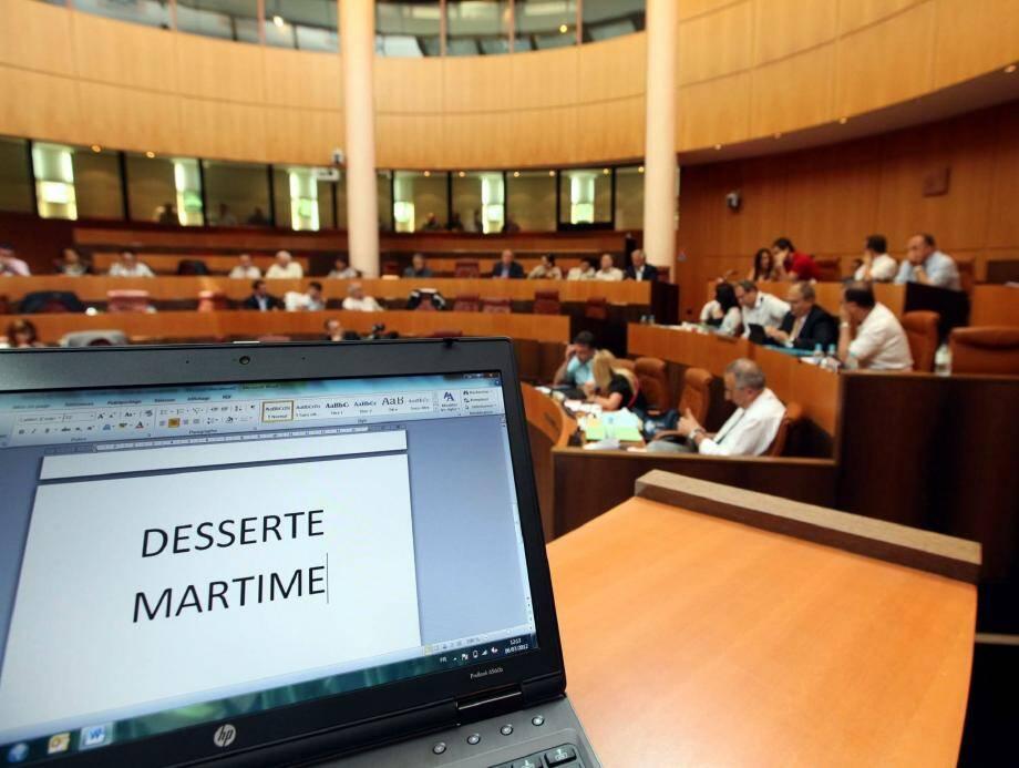 La réflexion sur Toulon a semé un peu le trouble. Derrière perce surtout le souci de préserver les quelque 900 emplois insulaires directs du tandem SNCM-CMN.
