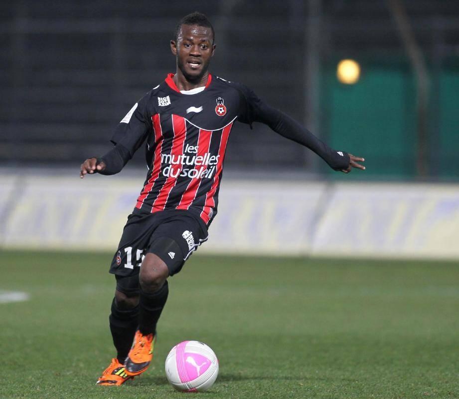 Kafouma Coulibaly est actuellement en phase de reprise du côté d'Aix-les-Bains après une douleur au tendon rotulien du genou.
