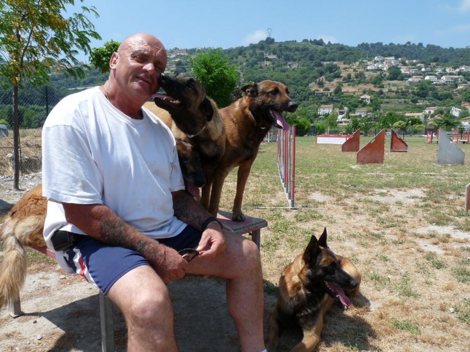 Patrick Villardry, créateur de la Fédération de protection animale Paca :« Les élus veulent enlever les animaux de l'intérieur des villes, comme ils le font avec les voitures. » (DR)