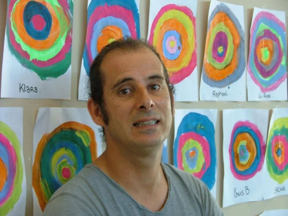 Regis Ferracci poursuit son œuvre en Haïti avec l'association Valescot Milot qu'il a créée et dont il est le président.