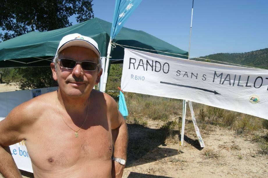 Une petite centaine de naturistes ont donné rendez-vous au public hier matin au lac de Saint-Cassien pour une journée sans maillot.