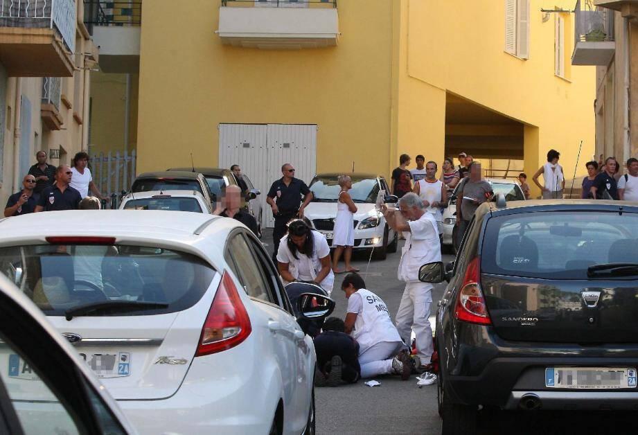 Les secours ont tenté l'impossible pour maintenir en vie Yves Manunta, visé par une dizaine de tirs.