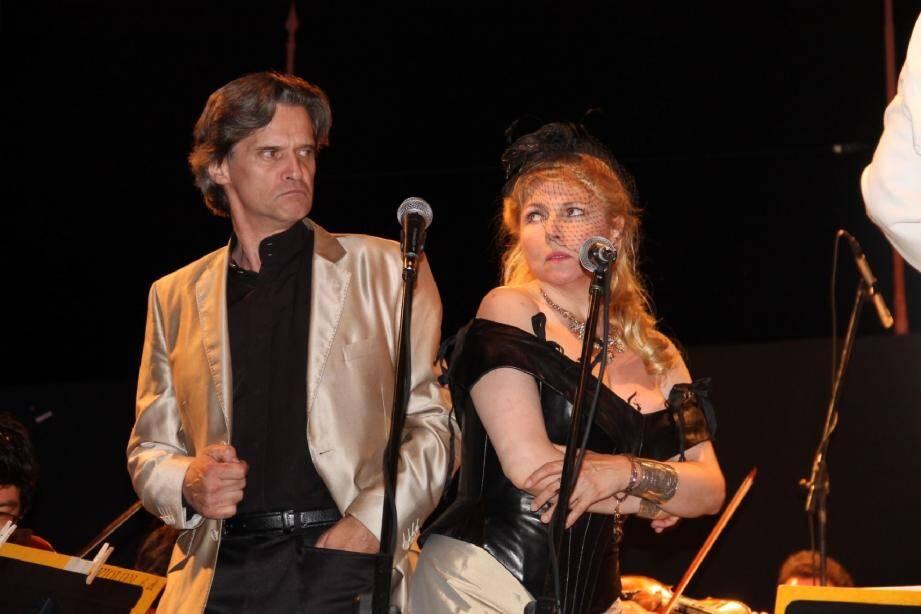 Le duo André Cognet et Elisabeth Vidal dans le duo Papageno-Papagena de La Flûte enchantée.