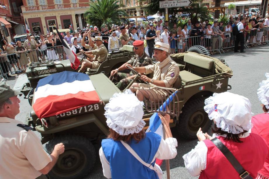 Le défilé du 14-Juillet : militaires et drapeaux tricolores seront encore une fois très applaudis.(Archives Stéphane Danna)