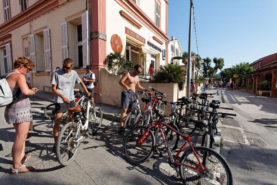 Porquerolles :  l'île aux vélos - 17772471.jpg