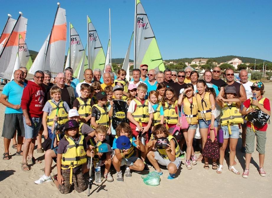 Le club de la Pointe du Gouron accueille les enfants deux fois par semaine pour les initier à la pêche en mer.