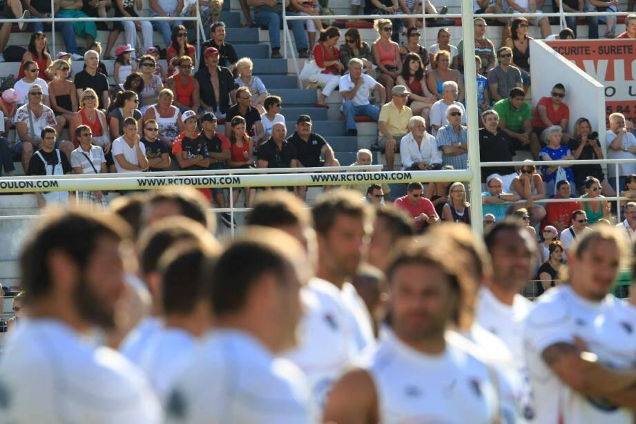 Au cours de l'entraînement public qui s'est tenu lundi, les supporters ont pu suivre les joueurs du RCT dans leur stade fétiche. Ils ne retrouveront les travées de Mayol qu'en septembre pour la rencontre face à Bordeaux-Bègles.