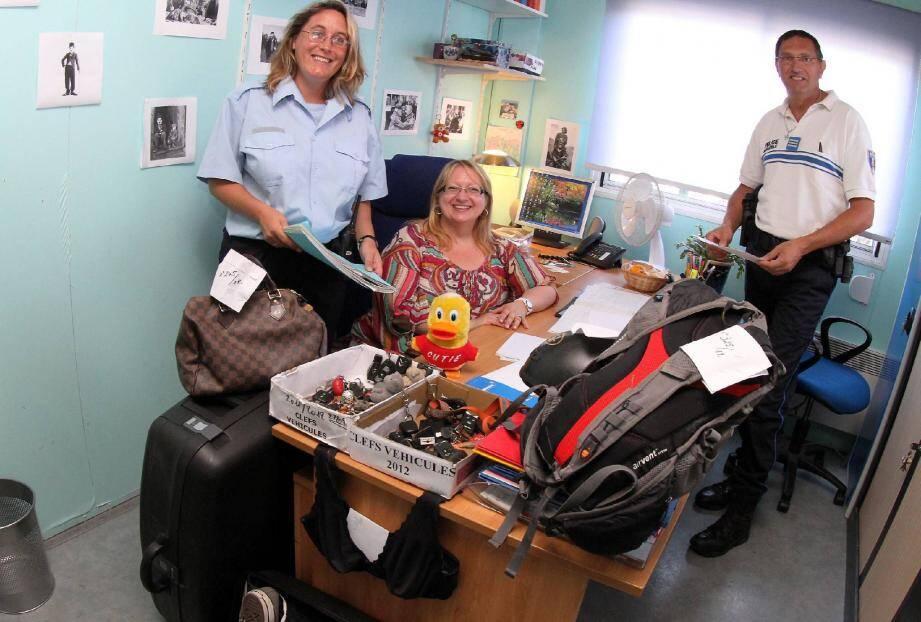 La police municipale consigne entre 800 et 1 000 objets perdus par an grâce à l'altruisme de beaucoup.