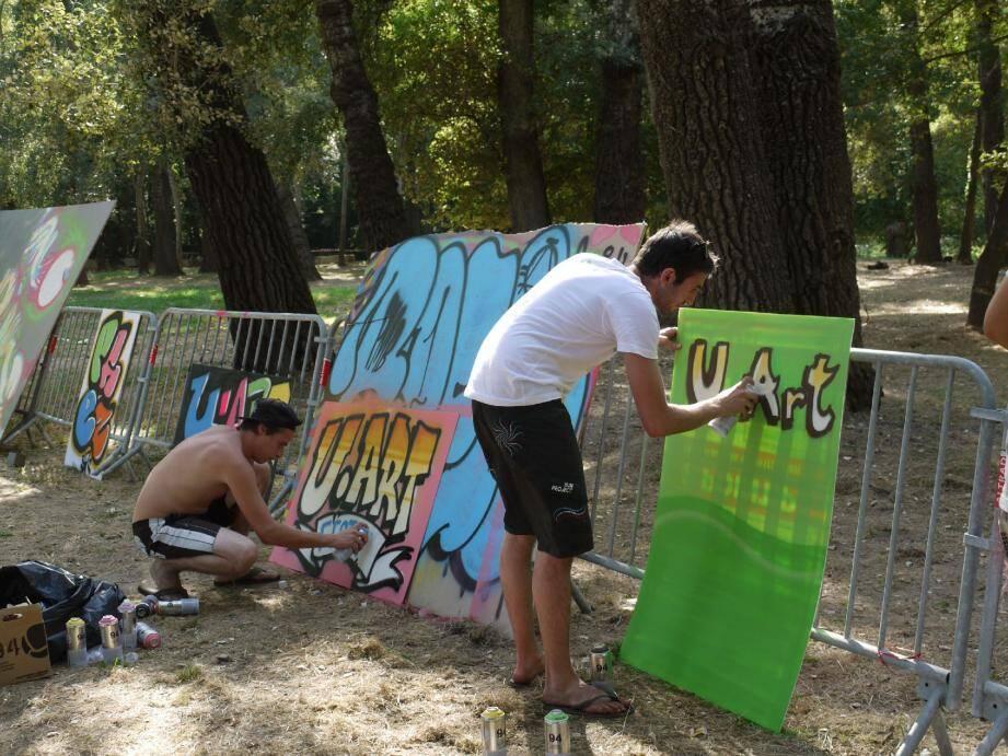 Le collectif de graffeurs « PMB » a pu s'exprimer en toute liberté aux Aubrettes.