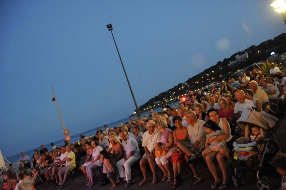 Le public va vivre la dernière soirée des Podiums de l'été édition 2012 avec un groupe qui devrait permettre aux danseurs de s'exprimer.