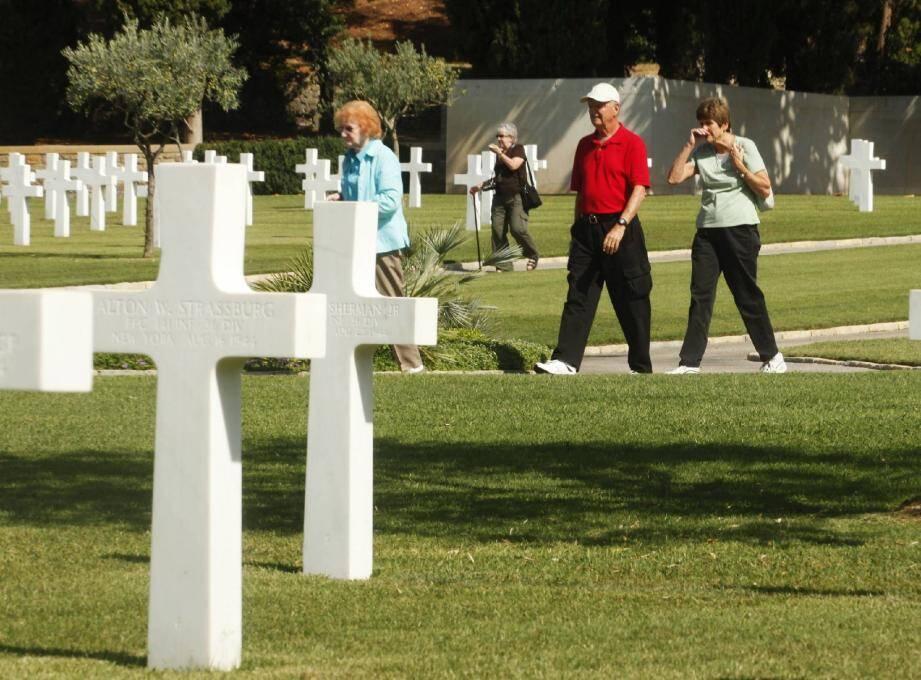 Les visiteurs américains étaient venus découvrir l'histoire des soldats morts pour la libération de la région.