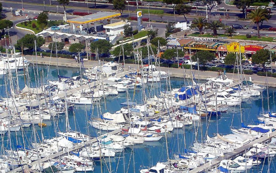 Les restaurateurs du port doivent s'acquitter d'astreintes allant jusqu'au million d'euros. Une somme !