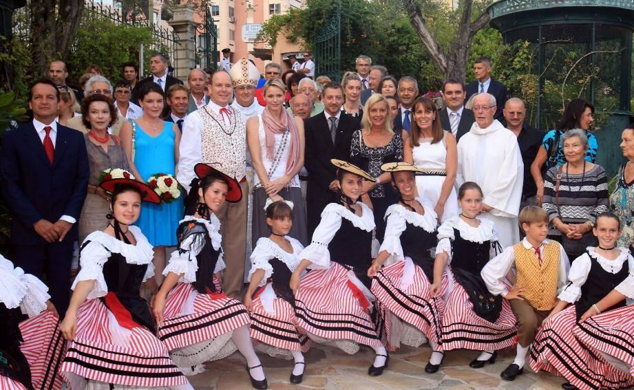 Le souverain et son épouse ont participé hier à la messe puis aux festivités organisées dans le cadre du pique-nique des Monégasques au parc Princesse-Antoinette.