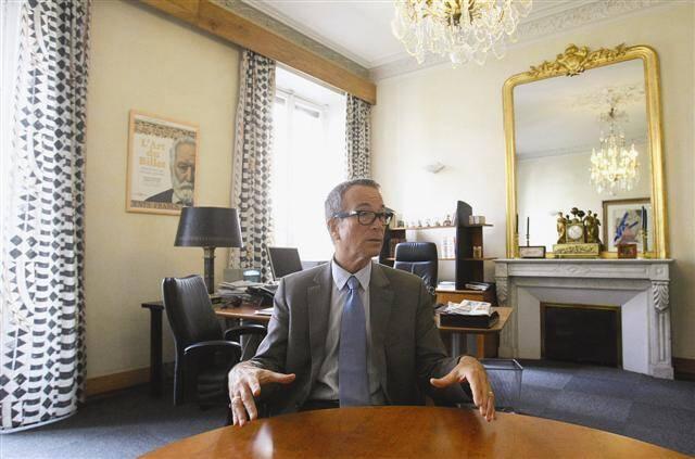Didier Patoux, directeur de la Banque de France à Toulon, assure que l'accueil des particuliers surendettés et des chefs d'entreprise sera maintenu.