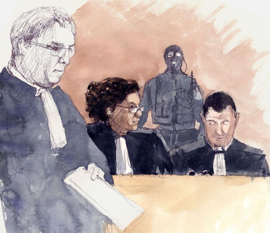Les acteurs du procès, ici les avocats des parties civiles, participent aux débats sous la protection du GIPN.(Croquis d'audience Rémi Kerfridin)