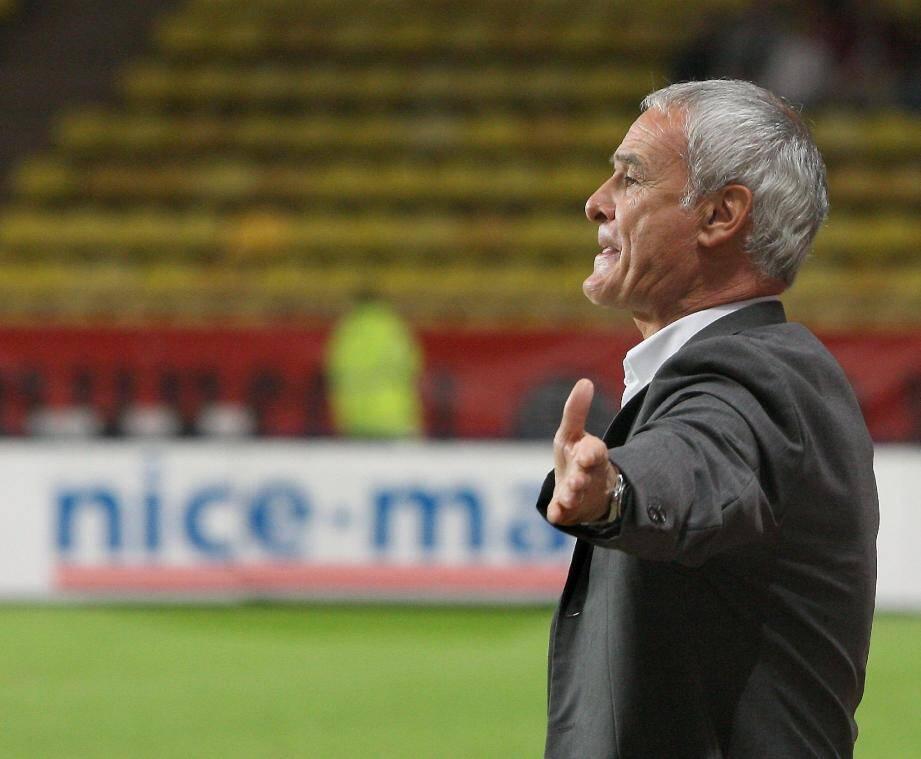 """A Gênes contre la """"Samp"""", Claudio Ranieri va retrouver l'Italie et le huitième de Série A."""