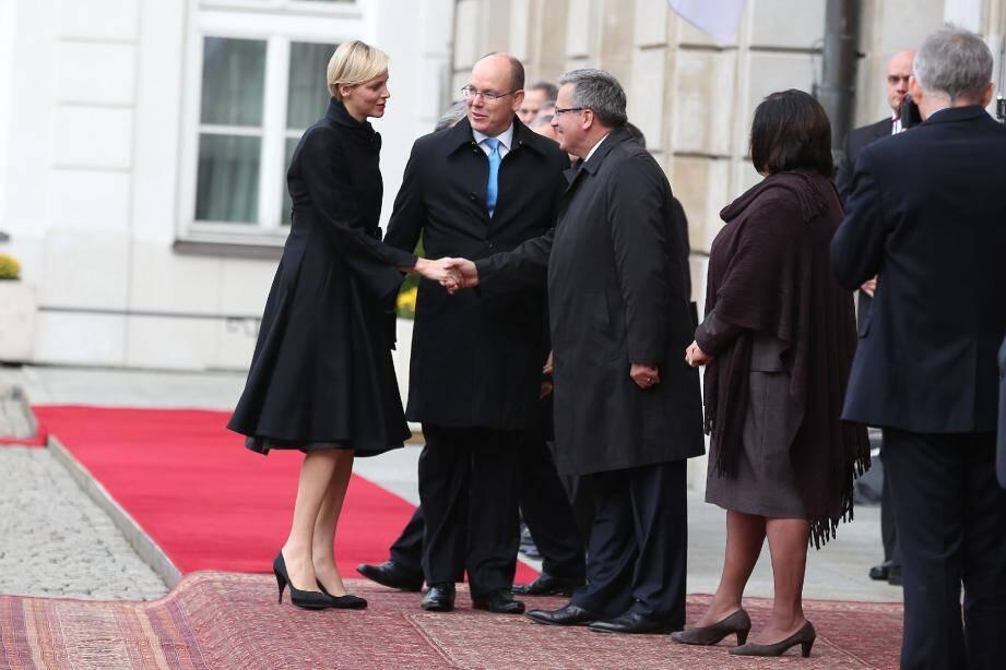 Le couple princier, hier à son arrivée au Palais présidentiel, à Varsovie.