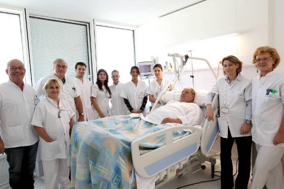 Les patients victimes d'un AVC sont accueillis par l'équipe de l'unité neurovasculaire de permanence, comme ici celle du Dr Mallecourt-Emberger à l'hôpital Sainte-Musse, à Toulon.