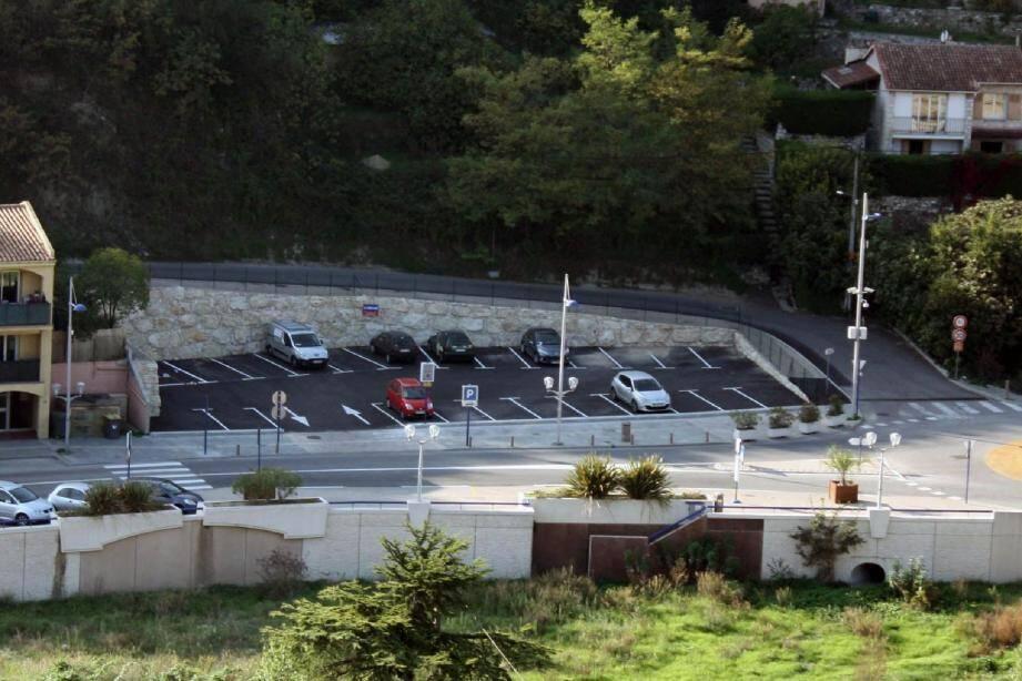 Un nouveau parking en centre-ville - 18854832.jpg