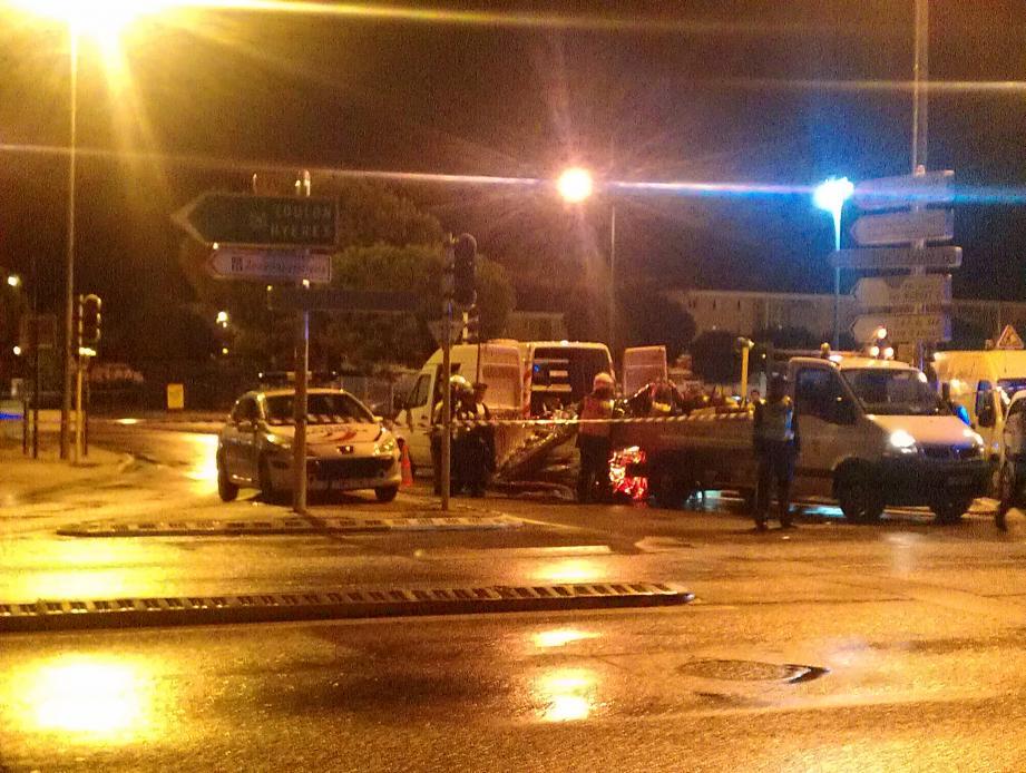Les deux étudiants de l'université du Sud Toulon-Var ont été emportés dans une canalisation de 40 cm de diamètre, d'évacuation des eaux, située sur le parking de l'université.