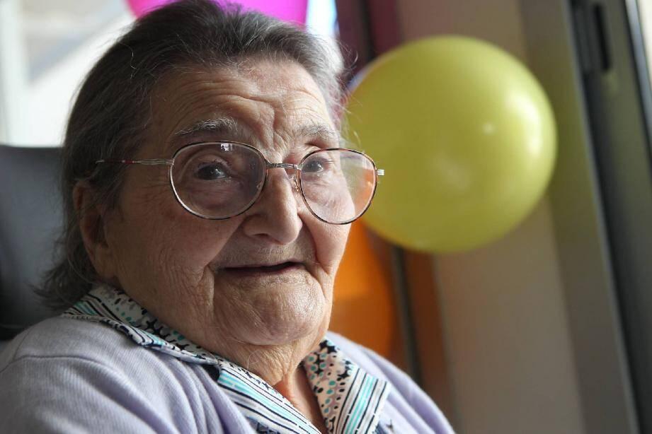Rose Bacherot a célébré ses 103 ans, hier, à l'unité de soins de longue durée Les Mûriers à Saint-Raphaël.