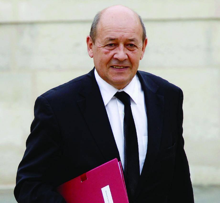 C'est sur les bancs de l'Assemblée nationale, et plus particulièrement au sein de la commission de la Défense, que Jean-Yves Le DrIan a appris à connaître et à apprécier le général Bigeard.