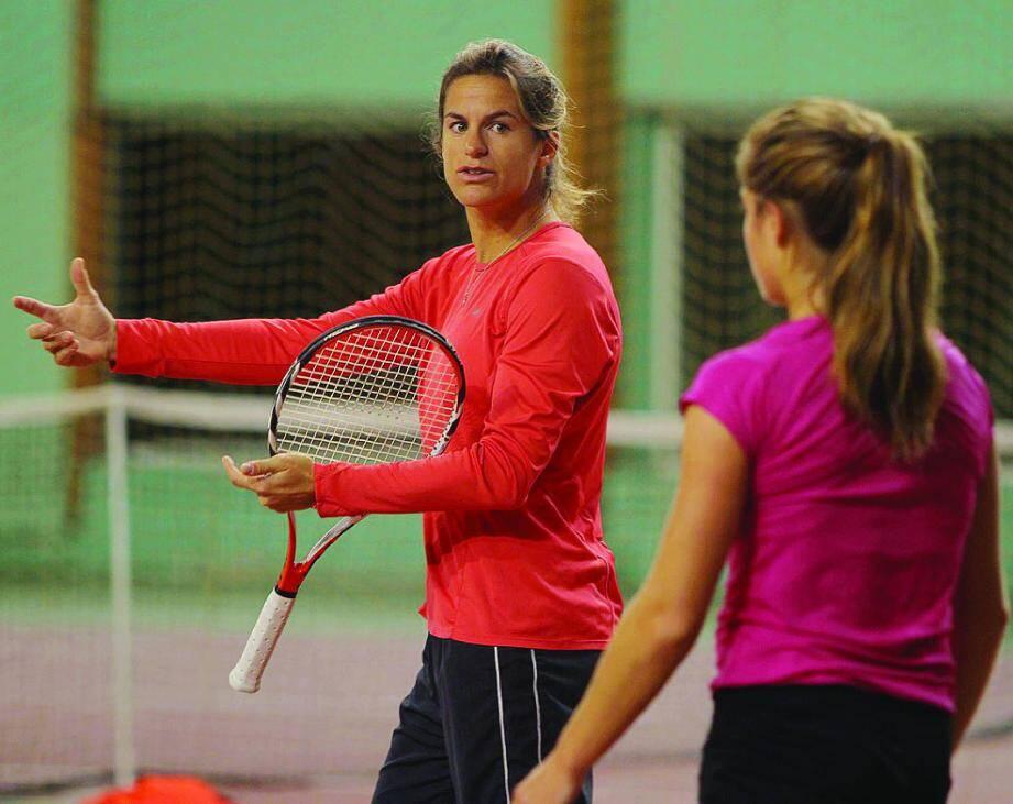 Amélie Mauresmo a souhaité élargir le stage de l'équipe de France de Fed Cup à huit joueuses. L'ancienne numéro 1 mondiale parie sur l'avenir.