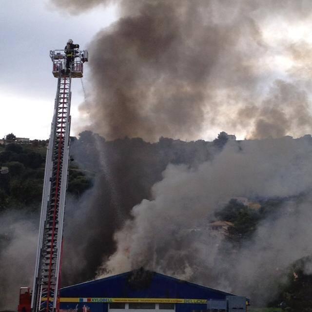 Une photo de l'incendie envoyée par une internaute.