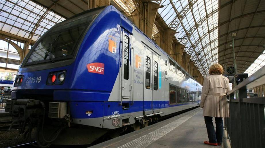 La circulation des trains est perturbée depuis 10h10 vendredi matin et jusqu'à une heure indéterminée en raison de la panne d'un train à Golfe-Juan.