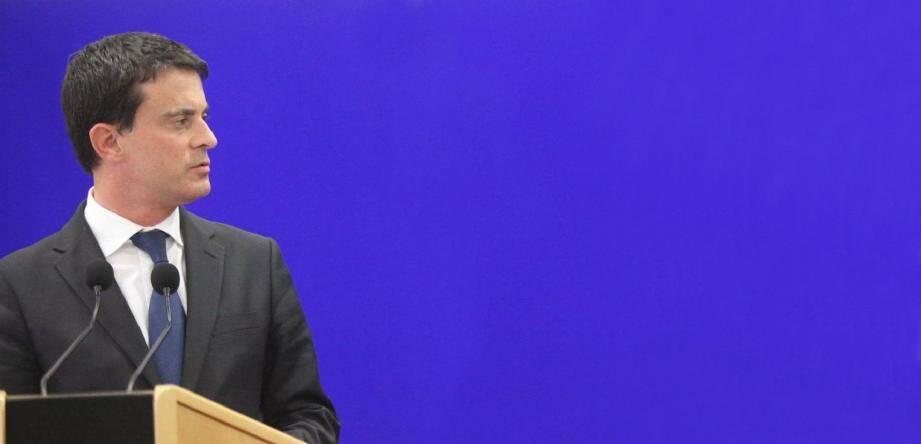 Les ministres ont tenu une conférence de presse durant une heure en préfecture de région à Ajaccio, à la mi-journée.