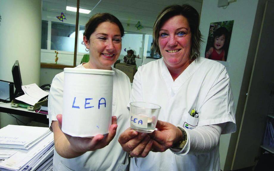 Aurélie Fréret (à gauche) et Gracie Oguihandy mettent toute leur énergie à trouver des fonds pour que Léa se rétablisse et que sa famille puisse rester à ses côtés.