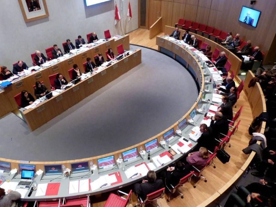 Le budget primitif pour 2013 doit être voté demain soir à 18 h 30 au Conseil national.