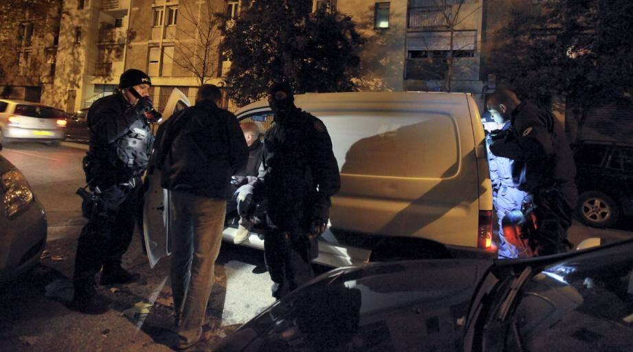 Hier, sept des personnes arrêtées mardi matin dans le quartier de l'Ariane ont été laissées libre, tandis qu'un nouveau suspect a été placé en garde à vue.