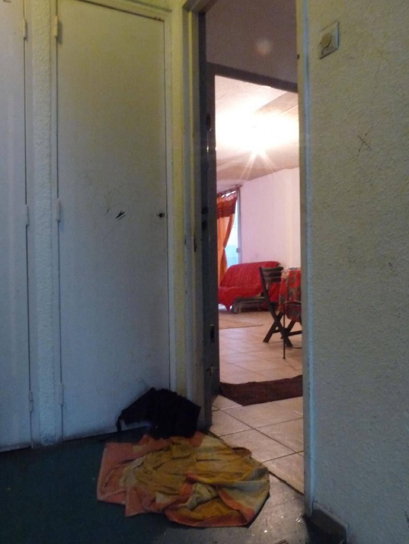 L'appartement 131, bâtiment 4 escalier 15. Squatté par deux mineurs lassés d'attendre un logement alors que leur mère n'en a toujours pas, bien qu'elle bénéficie du droit au logement opposable (loi Dalo) depuis deux ans.