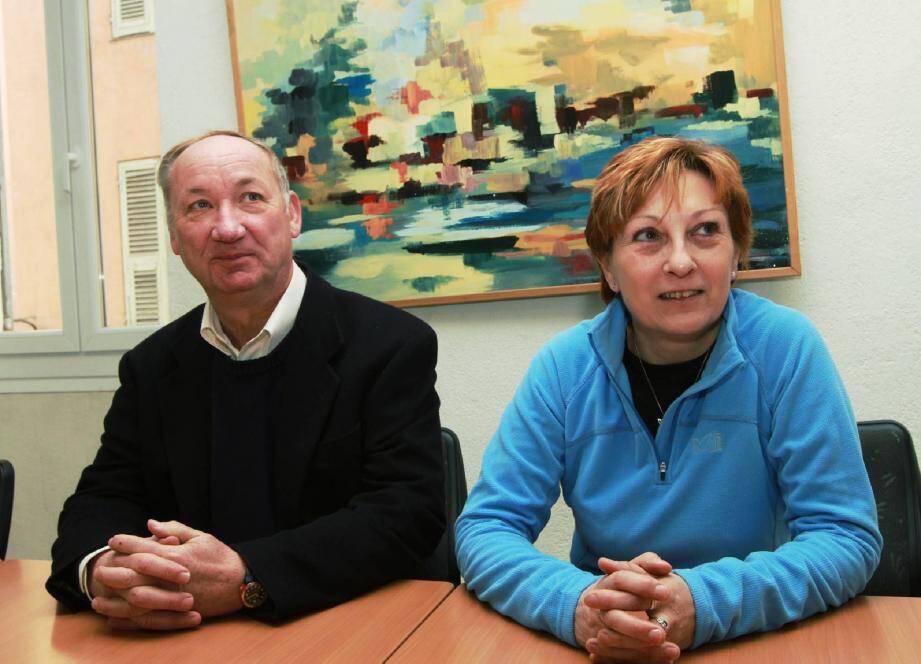 Le professeur Philippe Collery et Marie-Christine Taddei-Battesti, présidente de l'association cortenaise Nea, avancent main dans la main pour développer des procédés de lutte contre le cancer. Le Pr Collery travaille sur des composés organométalliques qui pourraient guérir les cancers du sein, de la prostate ou du colon.
