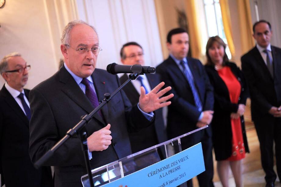 Le ministre d'Etat Michel Roger entouré des membres du gouvernement a présenté ses vœux à la presse hier matin.