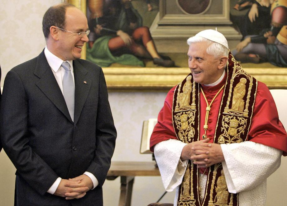 Le 5 décembre 2005, le prince Albert II reçu par Benoît XVI au Vatican.