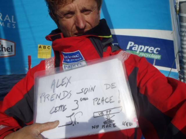 """Le message de Jean-Pierre Dick à Alex Thomson : """"Alex, prends soin de la troisième place""""."""