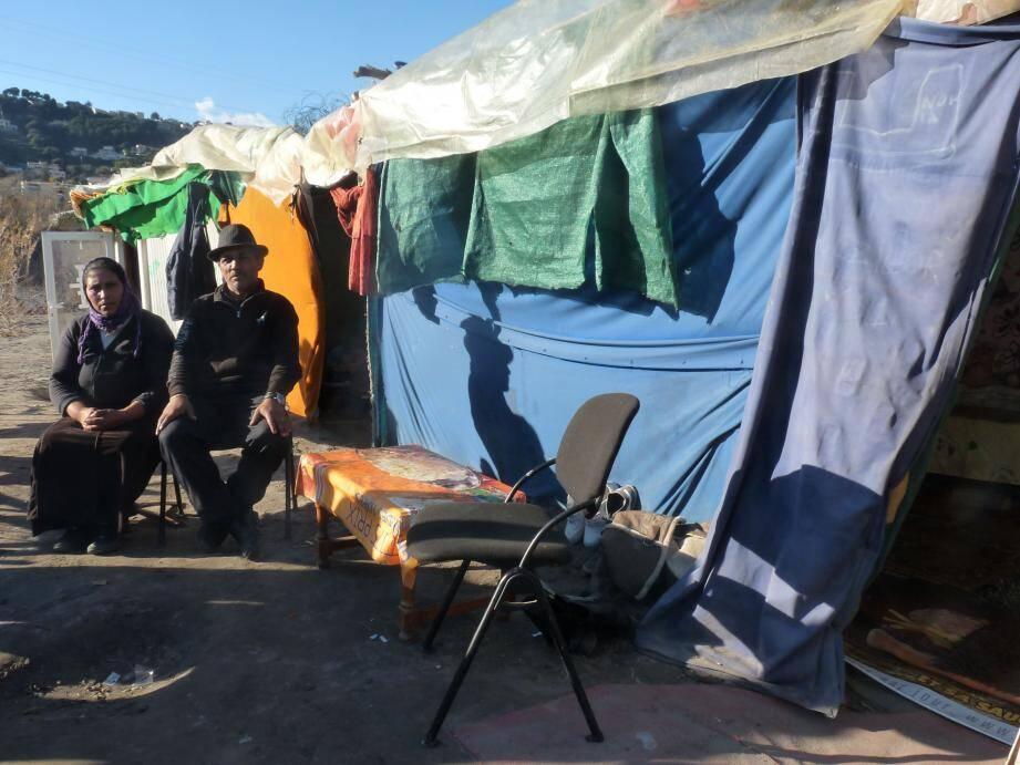 """""""Reloger les quelque cinquante Roms qui campent sur les berges de Var, reste une de nos priorité"""", a indiqué, jeudi, un représentant du préfet."""