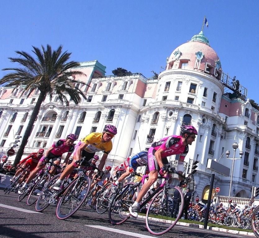 L'Agence française de lutte contre le dopage a annoncé jeudi qu'elle ne participerait pas aux contrôles antidopage lors de la course Paris-Nice en mars, en raison d'un conflit avec l'Union cycliste internationale.