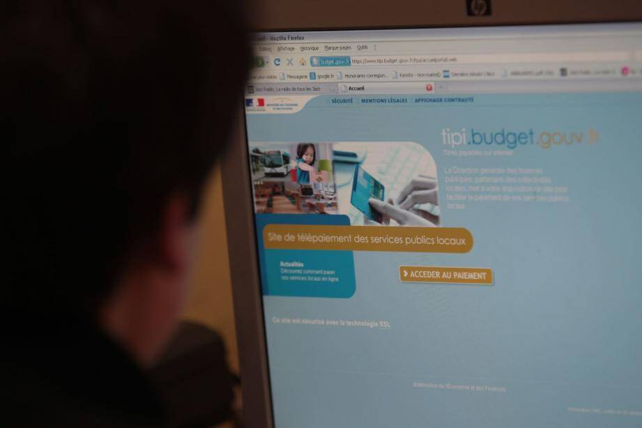 Désormais, il est possible de régler les prestations municipales sur Internet, par carte bancaire.