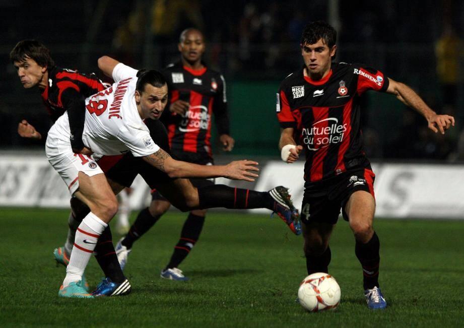 Pejcinovic et Civelli, après avoir contenu Ibrahimovic et le PSG, s'attaquent à Brandao et Aubameyang.