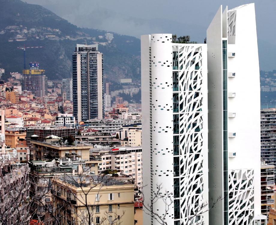 La Tour Simona, pour ce qui est de la location, et la Tour Odéon sont les prototypes du marché du luxe.