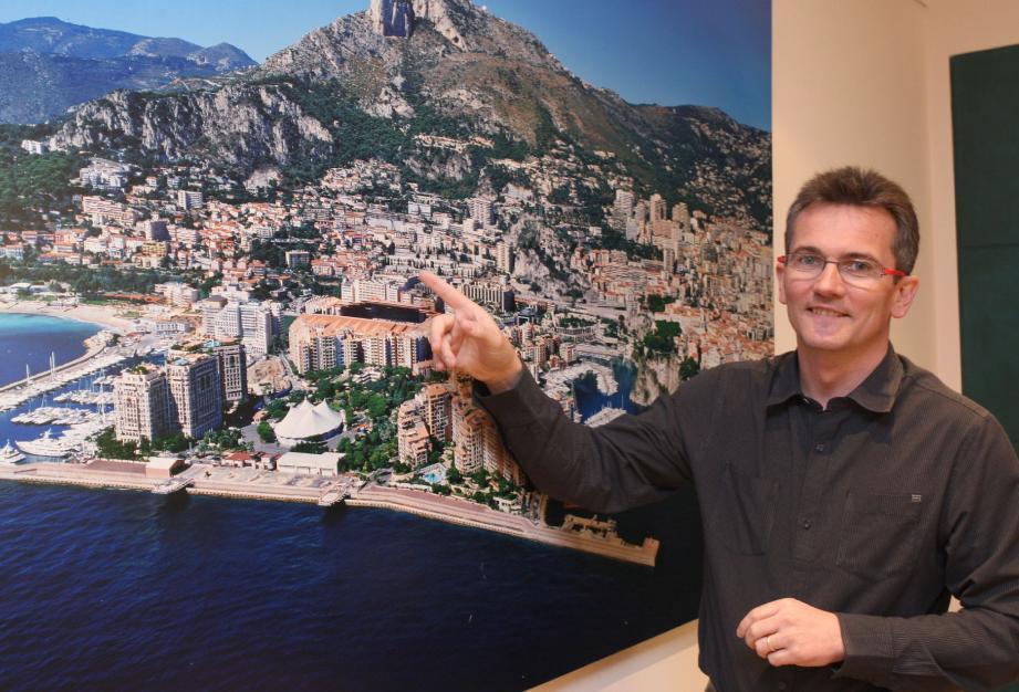 Thierry Berthouloux, directeur des réseaux chez Monaco Telecom, explique que les investissements sur le réseau mobile représentent chaque année plus d'un million d'euros.