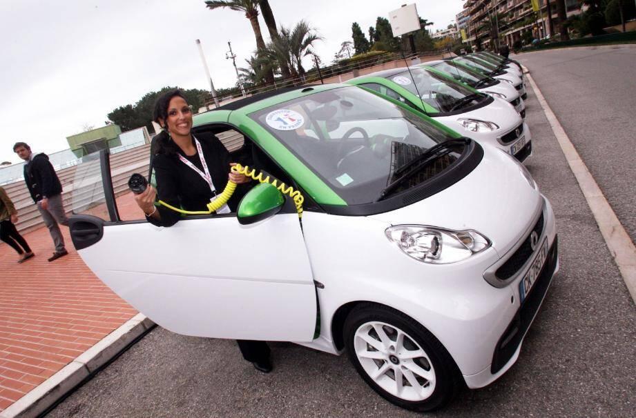 Pas la moindre émission polluante et un plein à 1€ : la nouvelle Smart Fortwo Electric Drive est une des nouveautés de la huitième édition du Salon Ever Monaco.