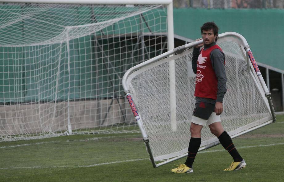 Dario Cvitanich comme un lion en cage : après deux mois sans jouer, le buteur argentin du Gym sera l'une des menaces principales pour l'OM.