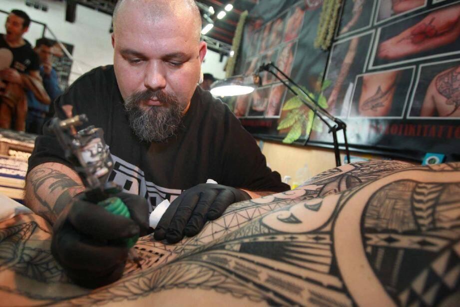 Le tatouage dans tous ses formats, qui métamorphose les corps en œuvres d'art : c'est jusqu'à demain soir aux Studios Riviera à Nice.